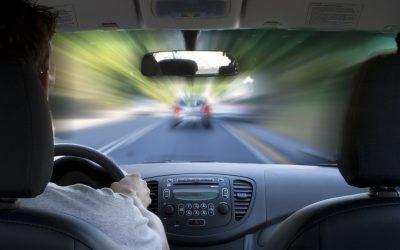 Embate iminente na estrada: O que fazer para reduzir riscos e danos
