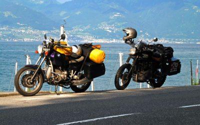 Como arrumar o equipamento na moto para ir acampar?