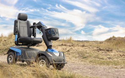 Cadeiras de rodas elétricas: condutores ou peões?