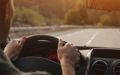 Distrações por telemóvel e cansaço ao volante: o binómio mais perigoso